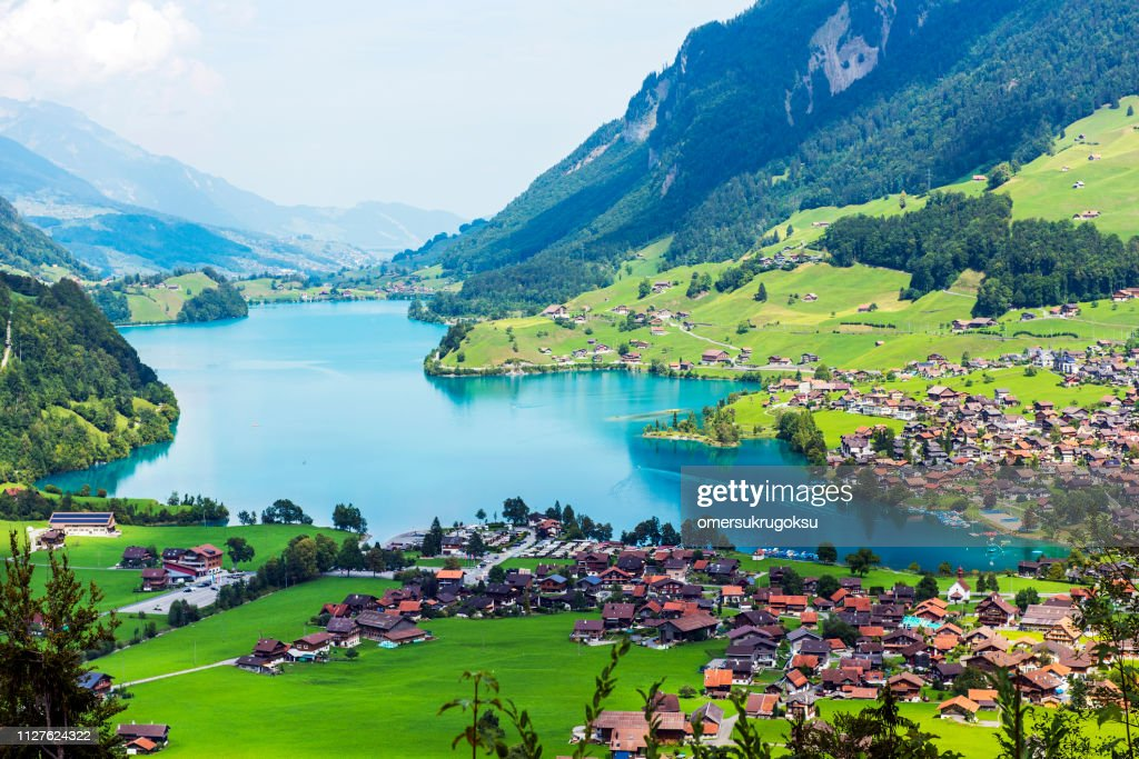 Valley Of Lake Lungern Or Lungerersee In Obwalden ...