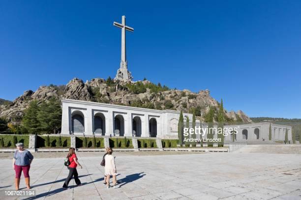 tal der gefallenen (valle de los caídos) denkmal - mausoleum stock-fotos und bilder
