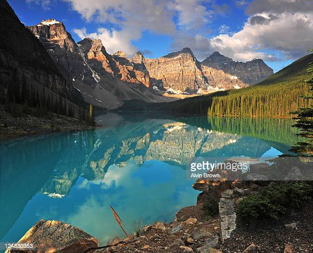 valley - valley of the ten peaks stock pictures, royalty-free photos & images