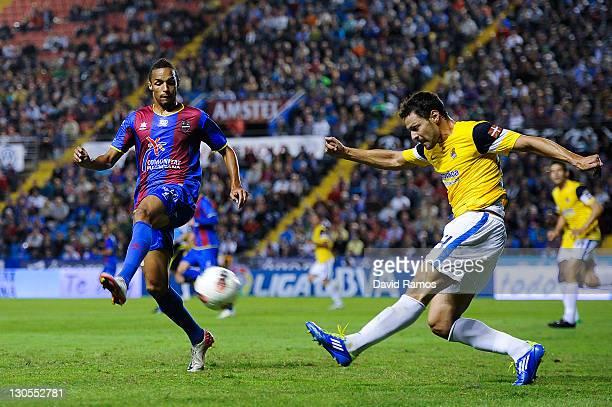 Valmiro 'Valdo' Lopes of Levante UD duels for the ball with Alberto de la Bella of Real Sociedad during the La Liga match between Levante UD and Real...