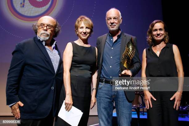 'Valois du public' for 'Une famille syrienne' of Philippe Van Leeuw JeanMichel Ribes Nathalie Baye Philippe Van Leeuw and Sandrine Bonnaire attend...