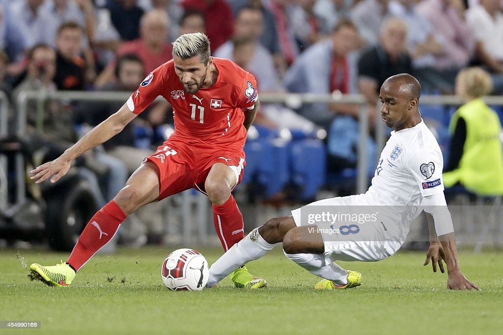 "EURO 2016 qualifying match - ""Switzerland v England"" : News Photo"