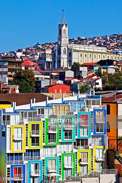 valparaiso , chile colorful buildings - santiago chile fotografías e imágenes de stock