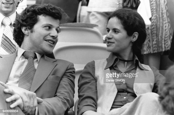 ValérieAnne Giscard d'Estaing accompagnée lors des Internationaux de France de tennis à Roland Garros le 11 juin 1978 à Paris France
