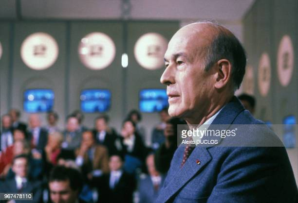 Valéry Giscard d'Estaing invité de l'émission télévisée 'L'Heure de vérité' le 29 janvier 1986 à Paris France
