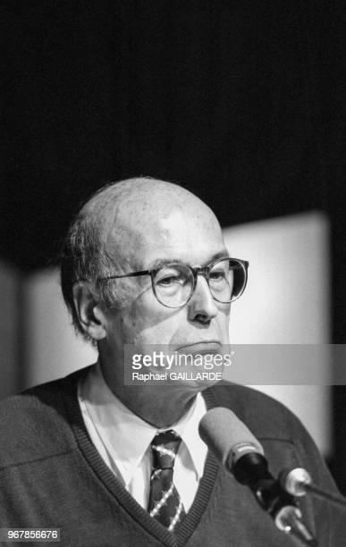 Valéry Giscard d'Estaing invité d'une émission de radio le 15 juin 1986 à Paris France