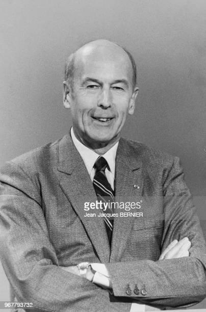 Valéry Giscardd'Estaing invité du journal de 13H sur TF1 le 22 mars 1984 paris France