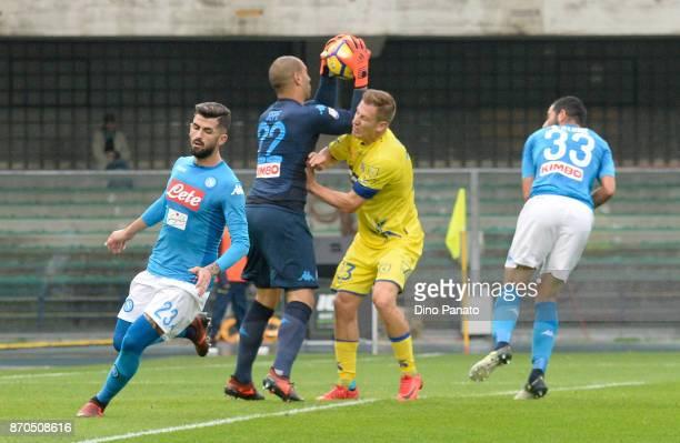 Valter Birsa of Chievo Verona Piotr Luigi Sepe goalkeeper of SSC Napoli during the Serie A match between AC Chievo Verona and SSC Napoli at Stadio...