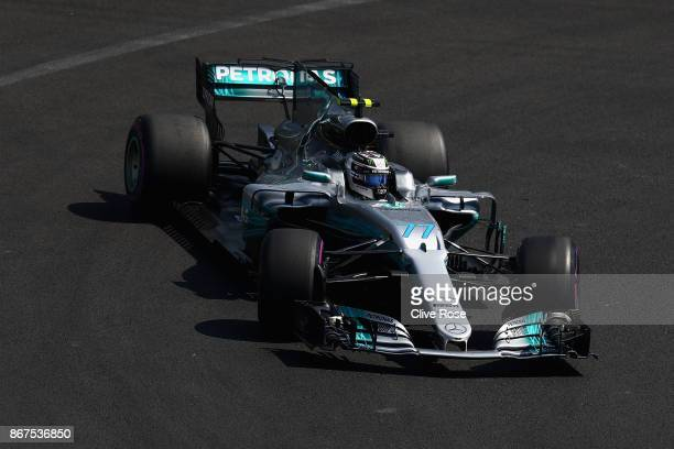 Valtteri Bottas driving the Mercedes AMG Petronas F1 Team Mercedes F1 WO8 on track during qualifying for the Formula One Grand Prix of Mexico at...