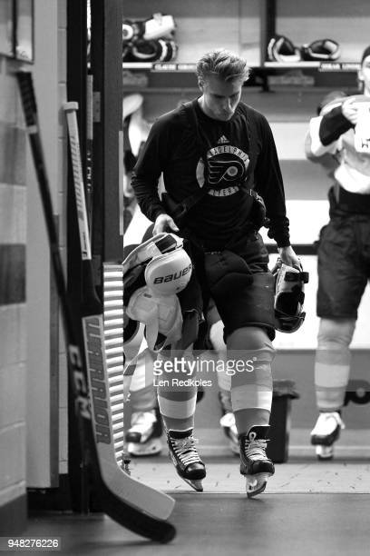 Valtteri Filppula of the Philadelphia Flyers preparing for warmups in the locker room before his game against the Pittsburgh Penguins in Game Three...