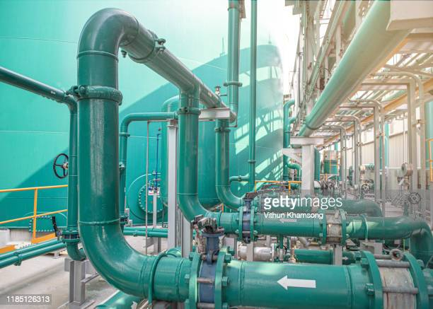 valves and pipeline system of industrial zone, steel pipeline and valves at factory - power supply stock pictures, royalty-free photos & images