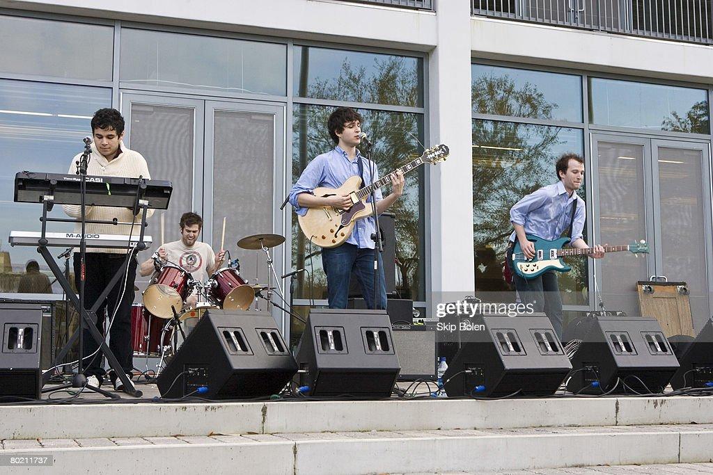 Vampire Weekend Performs at Tulane University : News Photo
