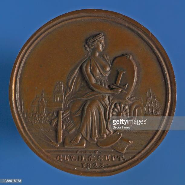 Van Bemme, Medal on the 50th anniversary of the Rotterdam Drawing Society This means Hooger, medallion bronze bronze medals 3.7, Half-seated young...