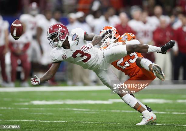 Van Smith of the Clemson Tigers breaks up a pass intended for Calvin Ridley of the Alabama Crimson Tide in the first half fo the AllState Sugar Bowl...