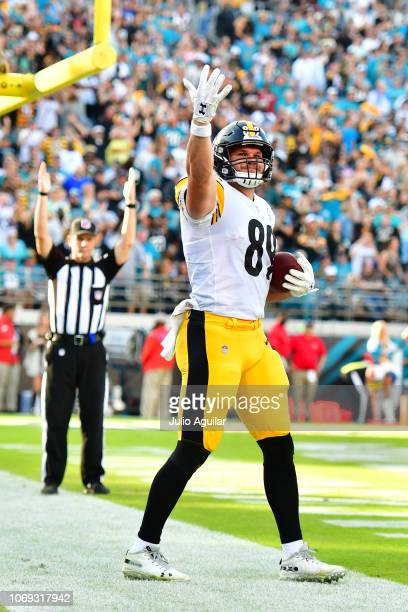 new product 5e422 0f109 Vance Mcdonald Pictures and Photos - Getty Images