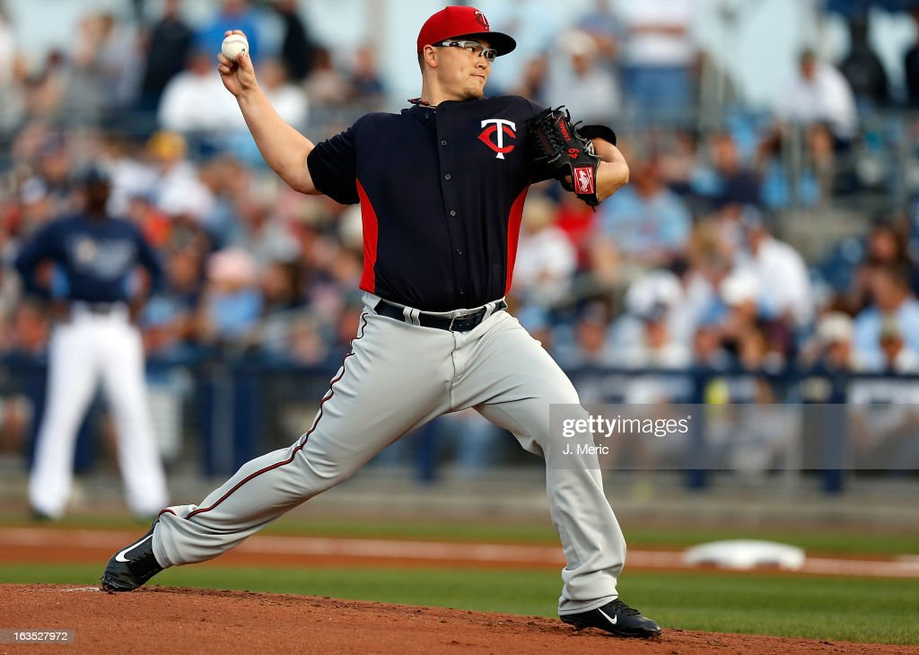 Vance Worley #40 of the Minnesota Twins pitches against the Tampa Bay Rays during a Grapefruit League spring training game at the Charlotte Sports Complex on March 11, 2013 in Port Charlotte, Florida.