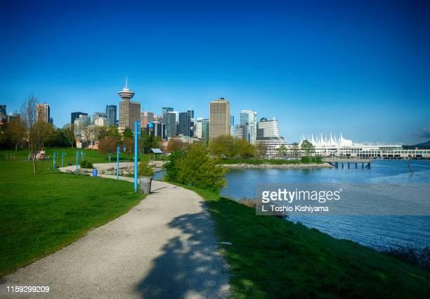 vancouver, canada, city view - ウォーターフロント ストックフォトと画像