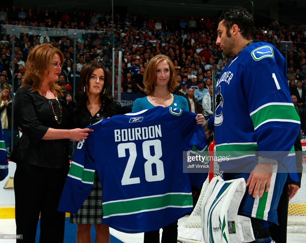 Vancouver Canuck Captain Roberto Luongo Of The Vancouver Canucks And
