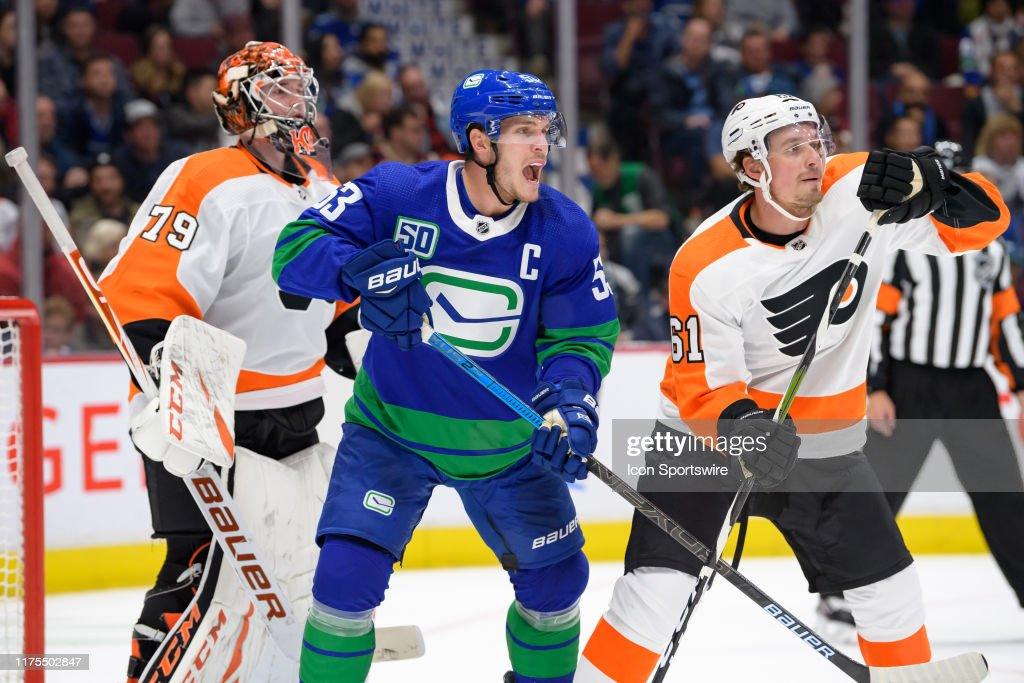 NHL: OCT 12 Flyers at Canucks : News Photo