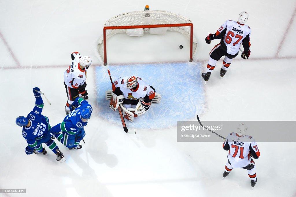 NHL: MAR 20 Senators at Canucks : Nachrichtenfoto
