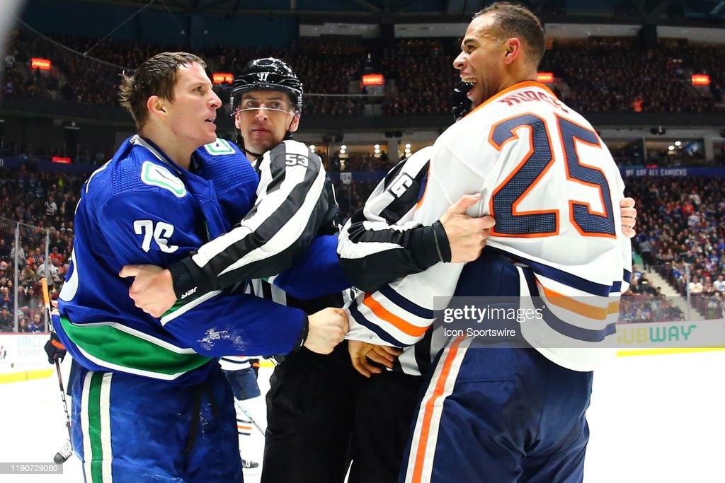 NHL: DEC 23 Oilers at Canucks : News Photo
