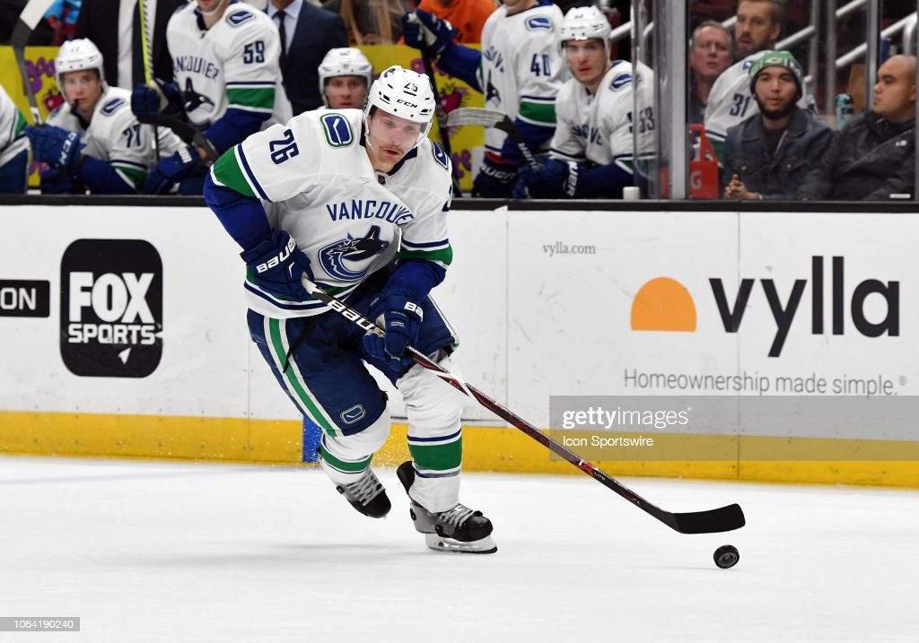 NHL: NOV 21 Canucks at Ducks : News Photo