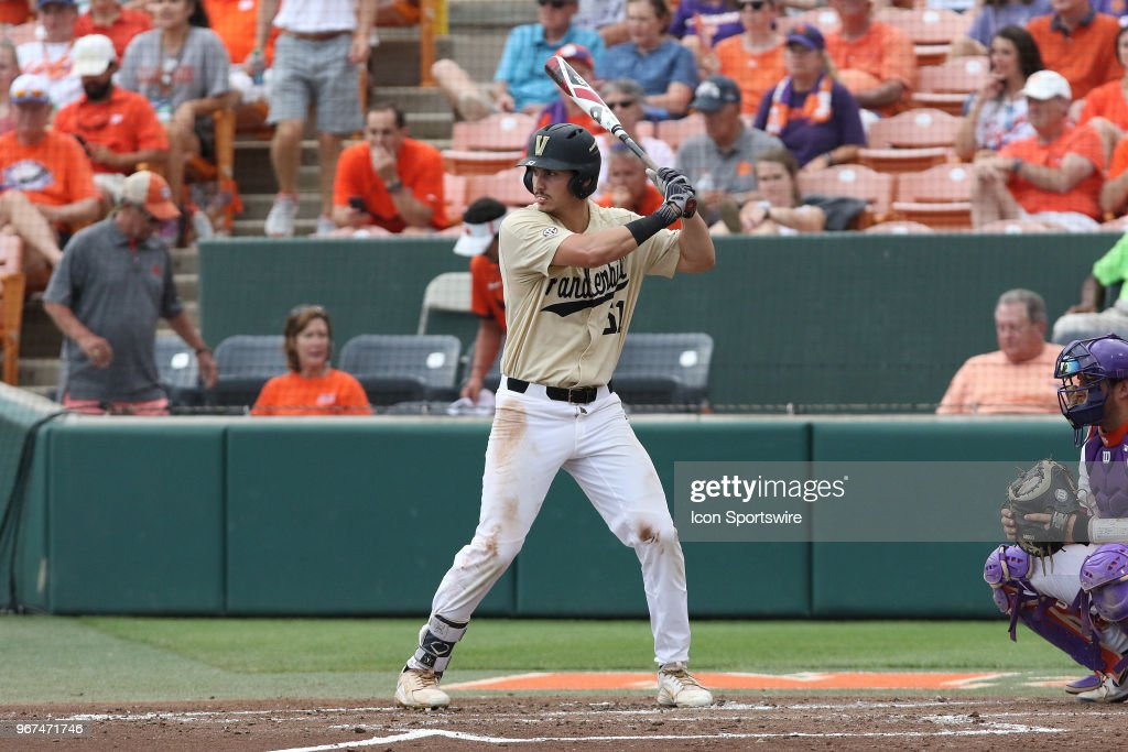 NCAA BASEBALL: JUN 03 Vanderbilt v Clemson : News Photo