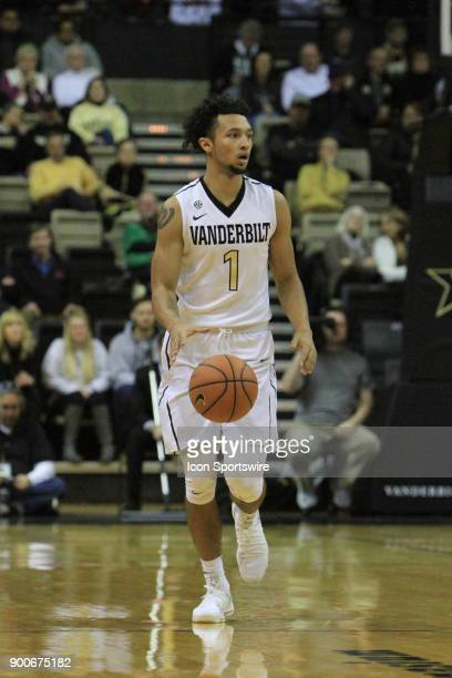 Vanderbilt Commodores guard Payton Willis brings the ball down the floor during a Southeastern Conference game between the Vanderbilt Commodores and...