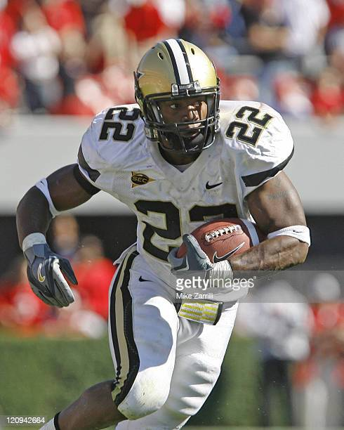 Vanderbilt TB Cassen Jackson-Garrison ran for 38 yards and a TD during the game between the Georgia Bulldogs and the Vanderbilt Commodores at Sanford...