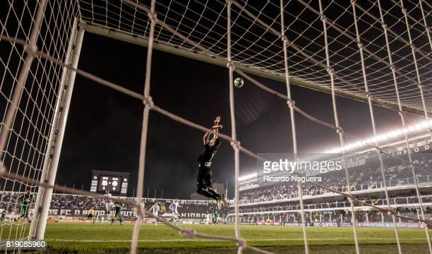 Vanderlei of Santos in action during the match between Santos and Chapecoense as a part of Campeonato Brasileiro 2017 at Vila Belmiro Stadium on July...