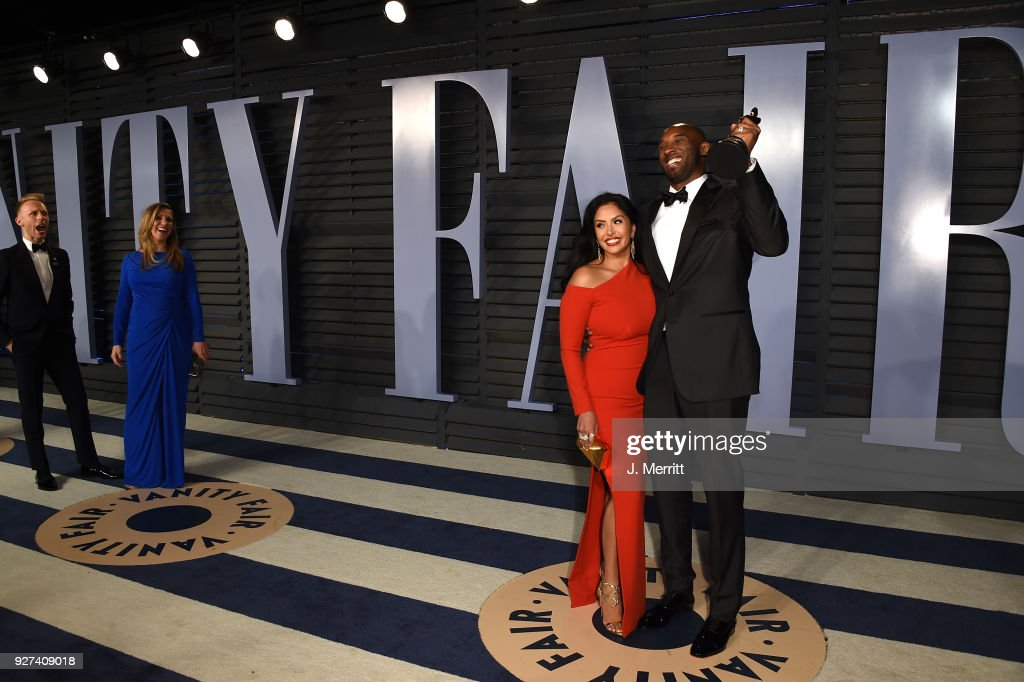 Vanessa Bryant (L) and NBA player Kobe Bryant attend the 2018 Vanity Fair Oscar Party hosted by Radhika Jones at the Wallis Annenberg Center for the Performing Arts on March 4, 2018 in Beverly Hills, California.