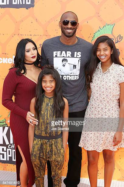 Vanessa Bryant, former NBA player Kobe Bryant, Gianna Bryant and Natalia Bryant arrive at Nickelodeon Kids' Choice Sports Awards 2016 at UCLA's...