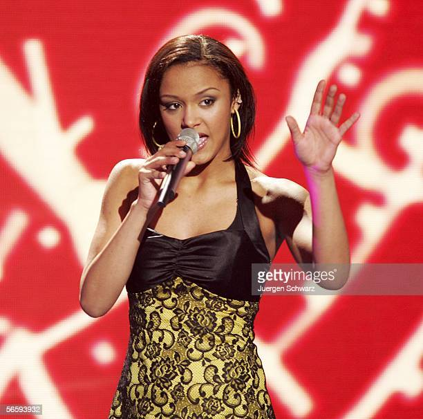 Vanessa Dedmon performs at DSDS candidates rehearsal January 14 2006 in Cologne Germany Nine candidates perform in that qualifying contest and one...