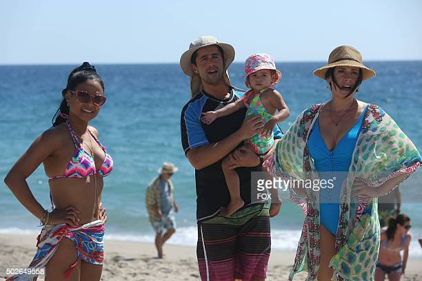 Vanessa Gerald Edie and Sara in the Dad Face episode of GRANDFATHERED airing Tuesday Oct 6 on FOX