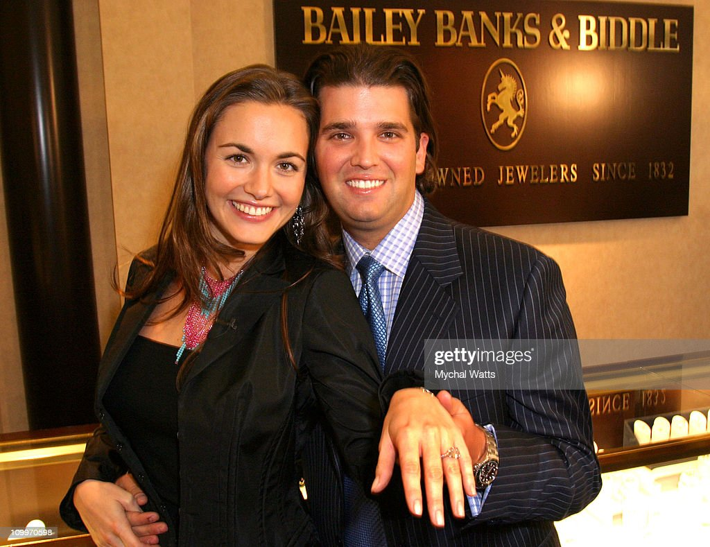 Bailey Banks and Biddle Fine Jewlers Provides Diamond Engagement Ring for