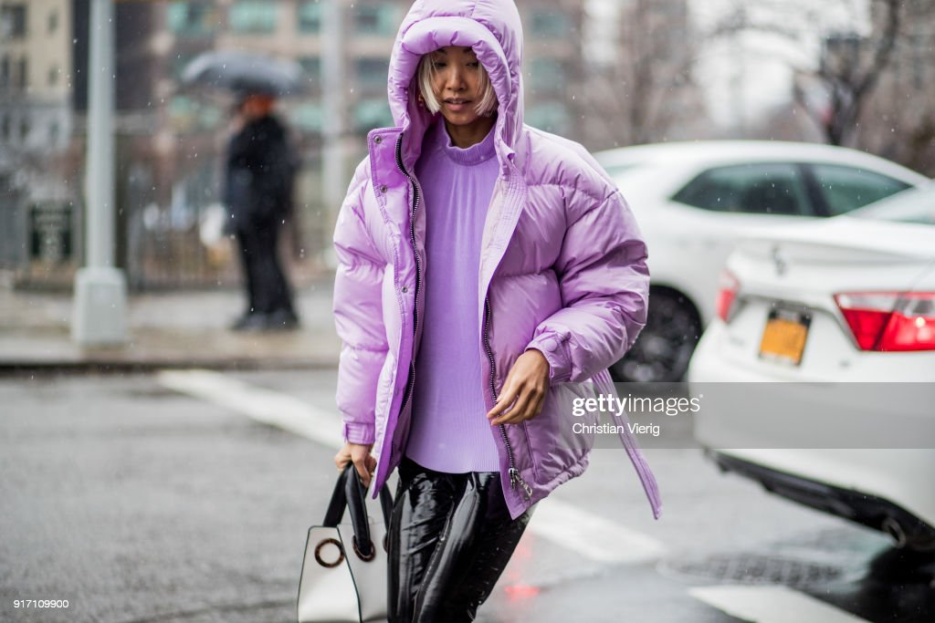 Street Style - New York Fashion Week February 2018 - Day 4 : Photo d'actualité