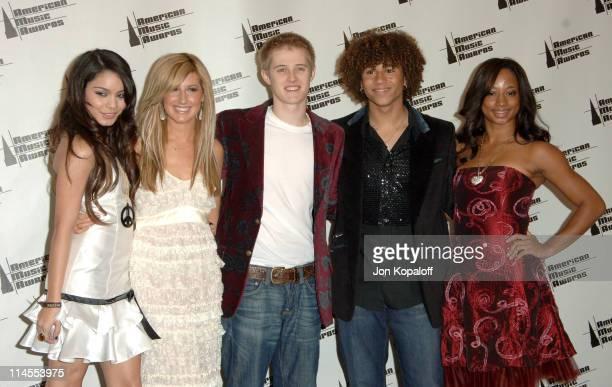 Vanessa Hudgens Ashley Tisdale Lucas Grabeel Corbin Bleu and Monique Coleman of High School Musical presenters