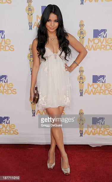 Vanessa Hudgens attends the 2010 MTV Movie Awards at the Gibson Amphitheatre on June 6, 2010 in Universal City, California.