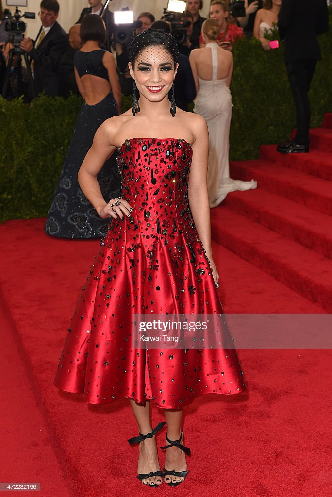 """China: Through The Looking Glass"" Costume Institute Benefit Gala : News Photo"