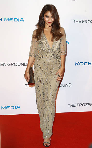 The frozen ground uk film premiere vanessa hudgens attends the uk premiere of the frozen ground at vue west end voltagebd Images