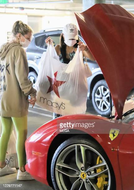 Vanessa Hudgens leaving the mall on November 24, 2020 in Los Angeles, California. (Photo by APEX/MEGA/GC Images