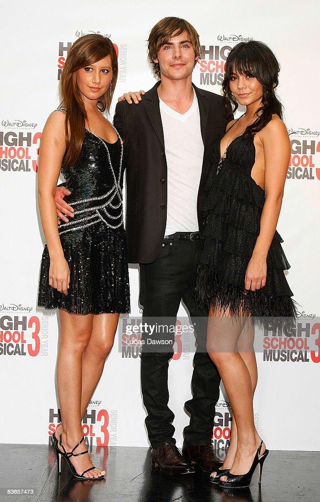 Zac Efron And Vanessa Hudgens High School Musical 1