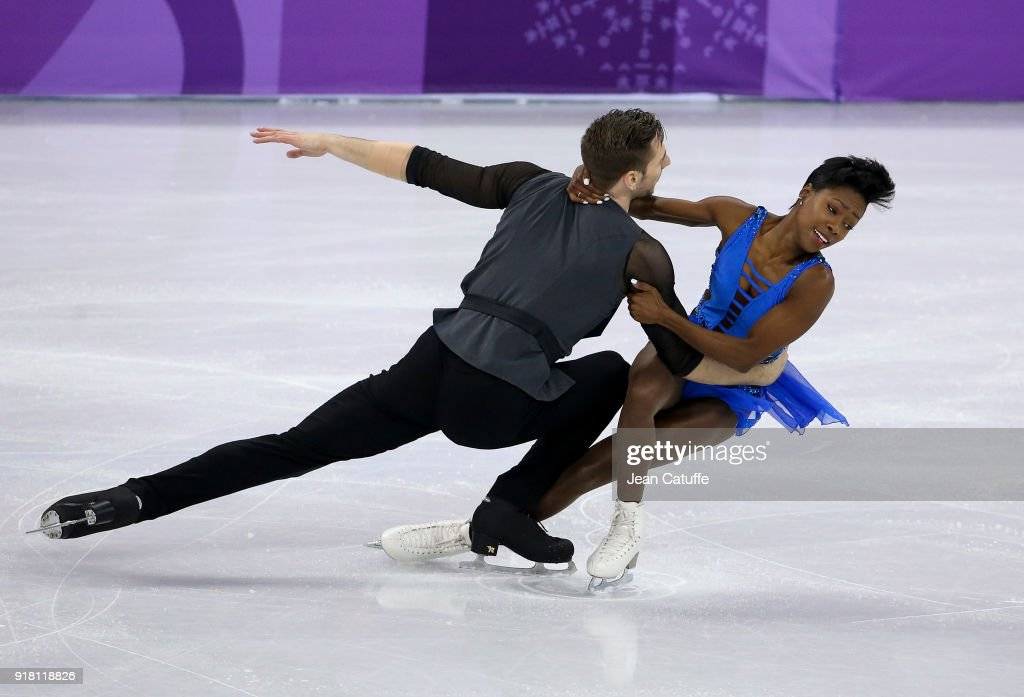 Figure Skating - Winter Olympics Day 5 : Photo d'actualité