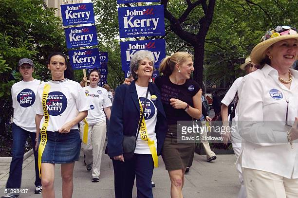Vanessa Kerry daughter of democratic presidential candidate John Kerry walks with her aunt Diane Kerry at the 2004 March for Women's Lives April 25...