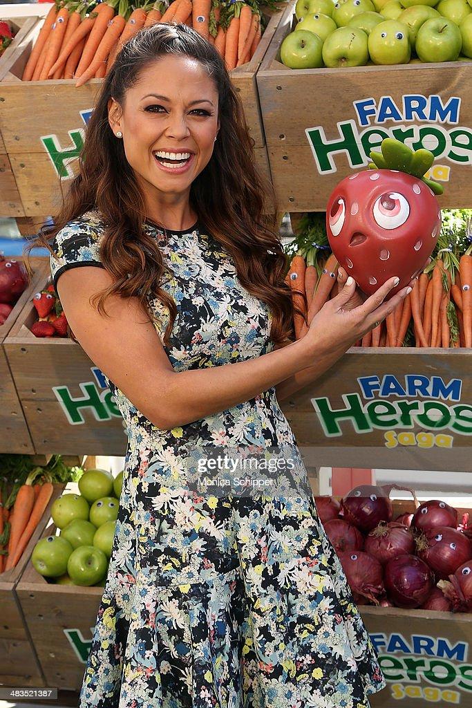 Vanessa Lachey attends Farm Heroes Saga's Urban Farm Experience at Flatiron Pedestrian Plaza on April 9, 2014 in New York City.