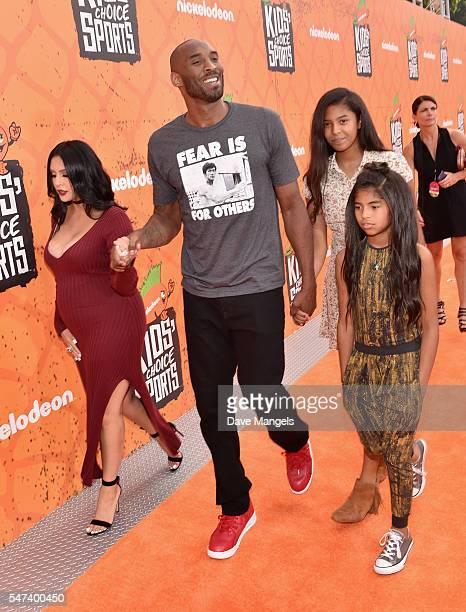 Vanessa Laine Bryant former NBA player Kobe Bryant Natalia Diamante Bryant and Gianna MariaOnore Bryant attend the Nickelodeon Kids' Choice Sports...