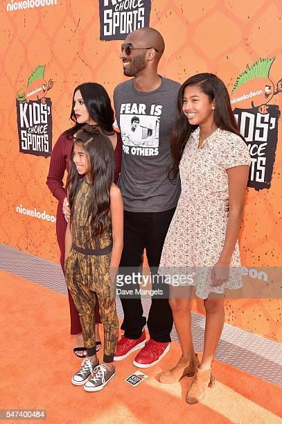 Vanessa Laine Bryant Gianna MariaOnore Bryant former NBA player Kobe Bryant and Natalia Diamante Bryant attend the Nickelodeon Kids' Choice Sports...