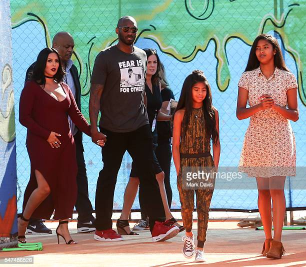 Vanessa Laine Bryant, Kobe Bryant, Gianna Maria-Onore Bryant and Natalia Diamante Bryant attend the Nickelodeon Kids' Choice Sports Awards at UCLA's...