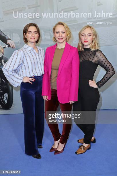 Vanessa Loibl Anna Maria Muehe and Elisa Schlott attend the Unsere wunderbaren Jahre press conference on January 27 2020 in Hamburg Germany