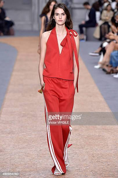 Vanessa Moody walks the runway during the Chloe Ready to Wear show as part of the Paris Fashion Week Womenswear Spring/Summer 2016 on October 1 2015...